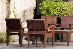 WoodTables και καρέκλες Στοκ Εικόνα