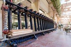 Woodwo di concetto di industria di produzione, di fabbricazione e di falegnameria fotografia stock