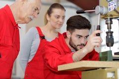 Woodworking aplikant przystosowywa tokarki d?wigni? zdjęcie stock