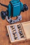 Woodworking narzędzia ustawiają roundover routera kawałki w pudełku i plun Zdjęcia Stock