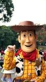 Woody il cowboy su una parata in Disneyland immagini stock libere da diritti