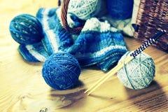 Wool balls and knitting needles Royalty Free Stock Photography