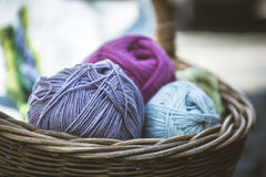 Wool in Basket, Wolle in einem Korb Royalty Free Stock Images