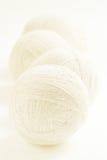 Woolen Ballvertikalenhintergrund Lizenzfreie Stockbilder