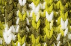 Woolen Beschaffenheitshintergrund, gestricktes Wollgewebe, Grün haariges fluf Lizenzfreies Stockfoto