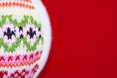 Woolen Bożenarodzeniowa piłka obrazy royalty free