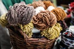 Woolen przędza w koszach Obraz Stock