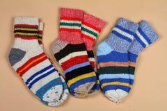 Woolen sockor. Handgjort. Arkivfoton