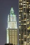 Woolworth byggnad i New York på natten Arkivbilder