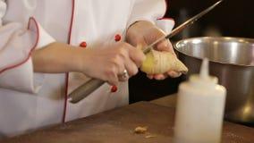 Wooman czysty imbir z nożem zbiory