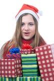 Wooman de Smilling con los giftboxes fotografía de archivo libre de regalías