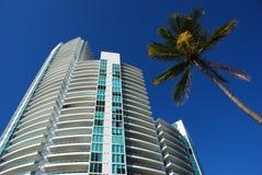 Woon toren in het Strand van het Zuiden, Florida stock afbeeldingen