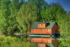 Woonboot op het water Stock Foto's