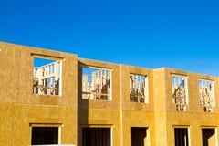 Woonflat, flatbouw stock afbeeldingen