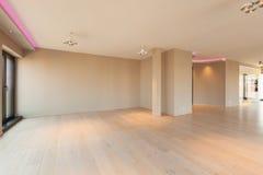Woonkamer in een moderne flat, lege ruimte royalty-vrije stock foto