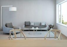Woonkamer en eetkamer in modern huis met witte houten muur Stock Fotografie