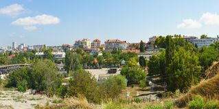 Woonstadsgebouwen en vloot in het Leninsky-district royalty-vrije stock foto's