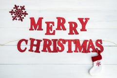 Woorden Vrolijke Kerstmis stock afbeelding