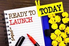 Word, écriture, textotent prêt à lancer Concept d'affaires pour la version de début de promotion de produit nouveau Prepare écrit photographie stock libre de droits