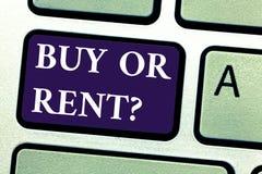 Word écrivant l'achat ou le loyer des textes Concept d'affaires pour le doute entre posséder quelque chose pour l'obtenir pour le illustration stock