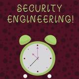 Word écrivant l'ingénierie de sécurité des textes Concept d'affaires pour le foyer sur les aspects de sécurité dans la conception photos stock