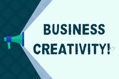 Word écrivant la créativité d'affaires des textes Concept d'affaires pour l'acte de nouvelles et imaginatives id?es de rotation d illustration libre de droits