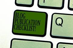 Word écrivant le concept d'affaires de liste de contrôle de publication de blog des textes pour les articles recevables énumèrent photographie stock libre de droits