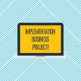 Word écrivant le projet d'affaires d'exécution des textes Concept d'affaires pour le processus d'exécuter un ordinateur portable  illustration libre de droits
