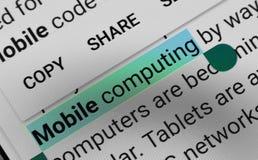 Word 'Mobiele gegevensverwerking 'digitaal geselecteerd en benadrukt op het mobiele vertoningsscherm royalty-vrije stock foto