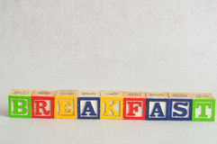 The word breakfast spelled with alphabet blocks Royalty Free Stock Photos