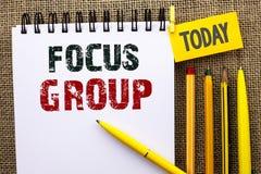 Word de schrijvende Groep van de tekstnadruk Het bedrijfsconcept voor het Interactieve Concentrerende Onderzoek van de Planningsc royalty-vrije stock afbeelding