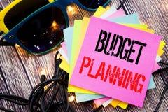 Word, het schrijven Begroting Planning Bedrijfsconcept voor het Financiële In de begroting opnemen geschreven op kleverige nota m Royalty-vrije Stock Foto's