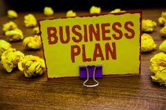 Word het schrijven het Businessplan van tekst Bedrijfsconcept voor de Structurele van Strategiedoelstellingen en Doelstellingen F royalty-vrije stock fotografie