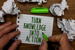 Word het schrijven de Kennis van de tekstdraai in Actie Bedrijfsconcept voor Apply wat u de Handgreep van Leidingsstrategieën gre stock afbeeldingen
