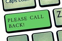 Word het schrijven de tekst gelieve te roepen Terug Bedrijfsconcept voor uitnodiging om voor tweede auditie of gesprekstoetsenbor stock foto
