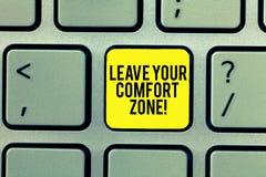 Word het schrijven de tekst verlaat Uw Comfortstreek Het bedrijfsconcept voor brengt veranderingen aan evolueren groeit neemt nie stock foto