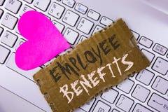 Word het schrijven de Voordelen van de tekstwerknemer Het bedrijfsdieconcept voor lijst van voordeelrecruiter krijgt bij het werk stock foto