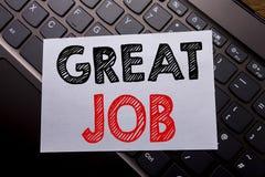 Word, het schrijven Grote Baan Bedrijfsdieconcept voor Succesappreciatie op kleverig notadocument wordt geschreven op de donkere  Stock Foto