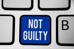 Word het schrijven niet Schuldige tekst Het bedrijfsconcept voor iemand is onschuldig beging geen specifieke misdaad hij Toetsenb royalty-vrije stock foto's