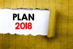 Word, het schrijven Plan 2018 Bedrijfsdieconcept voor de Planning van StrategieActieplan op Witboek op het gele gevouwen document Royalty-vrije Stock Afbeelding