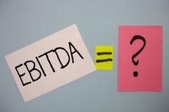 Word het schrijven tekst Ebitda Bedrijfsconcept voor Inkomens vóór van de de Waardeverminderingsamortisatie van Rentebelastingen  royalty-vrije stock foto