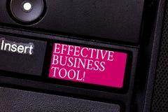Word het schrijven tekst Efficiënt Zakelijk hulpmiddel Bedrijfsconcept voor gebruikt om bedrijfsprocessentoetsenbord te controler stock afbeeldingen