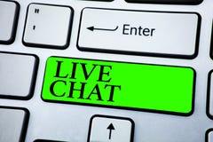 Word het schrijven tekst Live Chat Bedrijfsconcept voor Gesprek op het Internet-mobiele communicatiemiddel Van verschillende medi royalty-vrije stock foto
