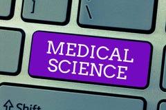 Word het schrijven tekst Medische Wetenschap Bedrijfsconcept voor studie van de diagnose, de behandeling, en de preventie van zie stock foto
