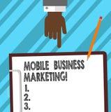 Word het schrijven tekst Mobiele Bedrijfs Marketing Bedrijfsconcept voor het Bereiken van consumenten door mobiele de analysehand royalty-vrije stock fotografie