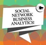 Word het schrijven tekst Sociale Netwerkzaken Analytics Het bedrijfsconcept voor Online moderne voorzien van een netwerkverbindin royalty-vrije illustratie