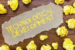 Word het schrijven tekst Technologische Ontwikkeling Bedrijfsconcept voor Uitvinding of Innovatie gezet in bruikbaar product royalty-vrije stock foto