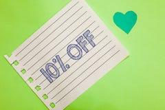Word het schrijven tekst 10 weg Bedrijfsconcept voor Korting van tien percenten over regelmatige de Verkoopontruiming van de prij stock afbeelding