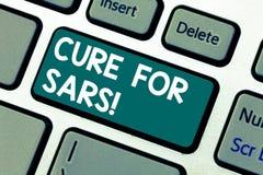 Word het schrijven tekstbehandeling voor Sars Bedrijfsconcept voor Medische behandeling over streng scherp ademhalingssyndroomtoe stock foto's