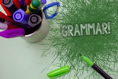 Word het schrijven tekstgrammatica Motievenvraag Het bedrijfsconcept voor Systeem en Structuur van Taal het Schrijven Regels kras Stock Foto